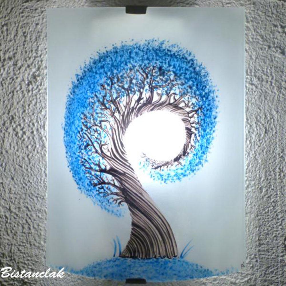 applique demi-cylindre éclairante et décorative motif l'arbre spiralement bleu cyan