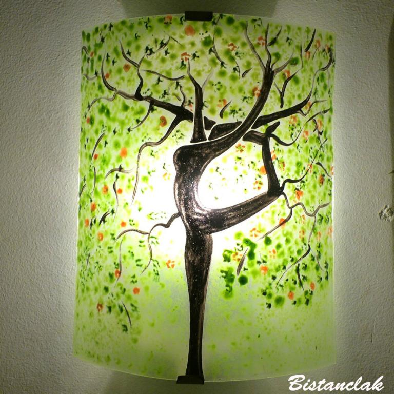 applique murale verte motif arbre danseuse