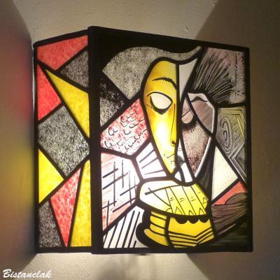 Applique murale vitrail design abstrait inspiration picasso la liseuse