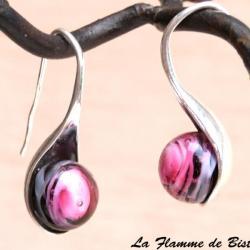 Boucles d oreilles perles de verre file rose et noir modele cuillere 1