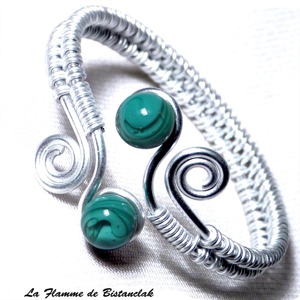 bracelet artisanal perles de verre vert bleu canard & spirales argentées 1