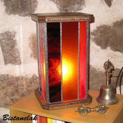 lampe vitrail rectangulaire brun chamarré, rouge et ambre