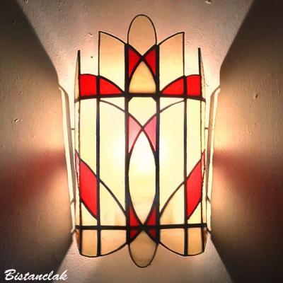 Applique vitrail tiffany rouge, ivoire et ambre clair martelé tendance art déco