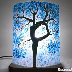 lampe d'ambiance bleu à poser motif l'arbre danseuse