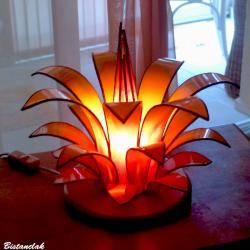 Luminaire artisanal en forme de fleur réalisé sur mesure