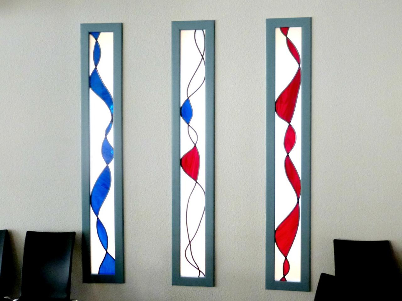 """Vitrail """"Bleu Blanc Rouge"""" réalisé pour la mairie du Cheylard (07)"""