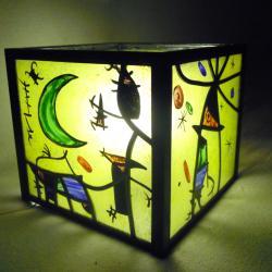 lampe vitrail cube multicolore au graphisme inspiré de Miro