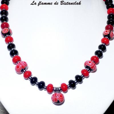Collier perles de verre rouge et noir collection psyché
