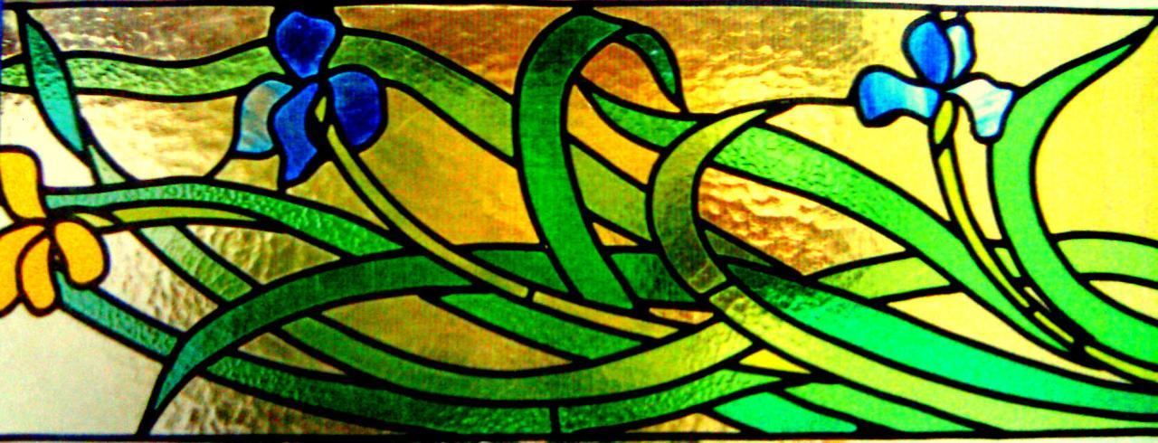 vitrail allongé iris jaune et bleu