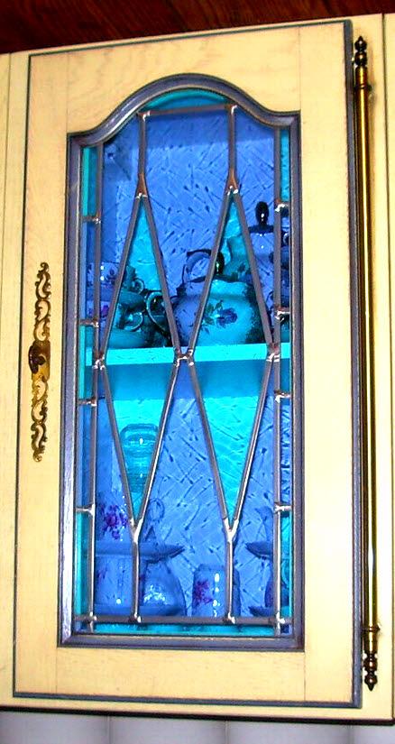 vitrail losange bleu et turquoise