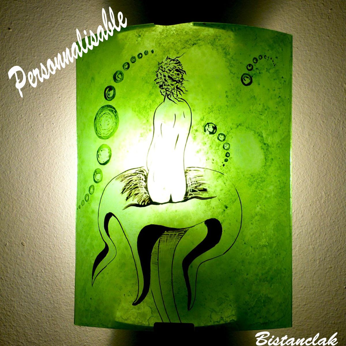 applique demi-cylindre romantique personnalisable motif femme nue sur fleur étrange