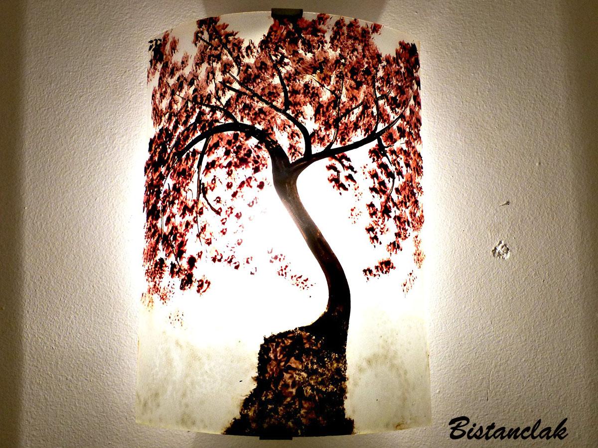 Applique artisanale decorative motif l arbre rouge au dessus des nuages 5