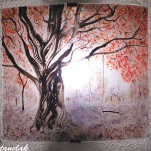 Applique artisanale rouge et mauve motif balancoire sous un arbre vendue en ligne sur notre site 1
