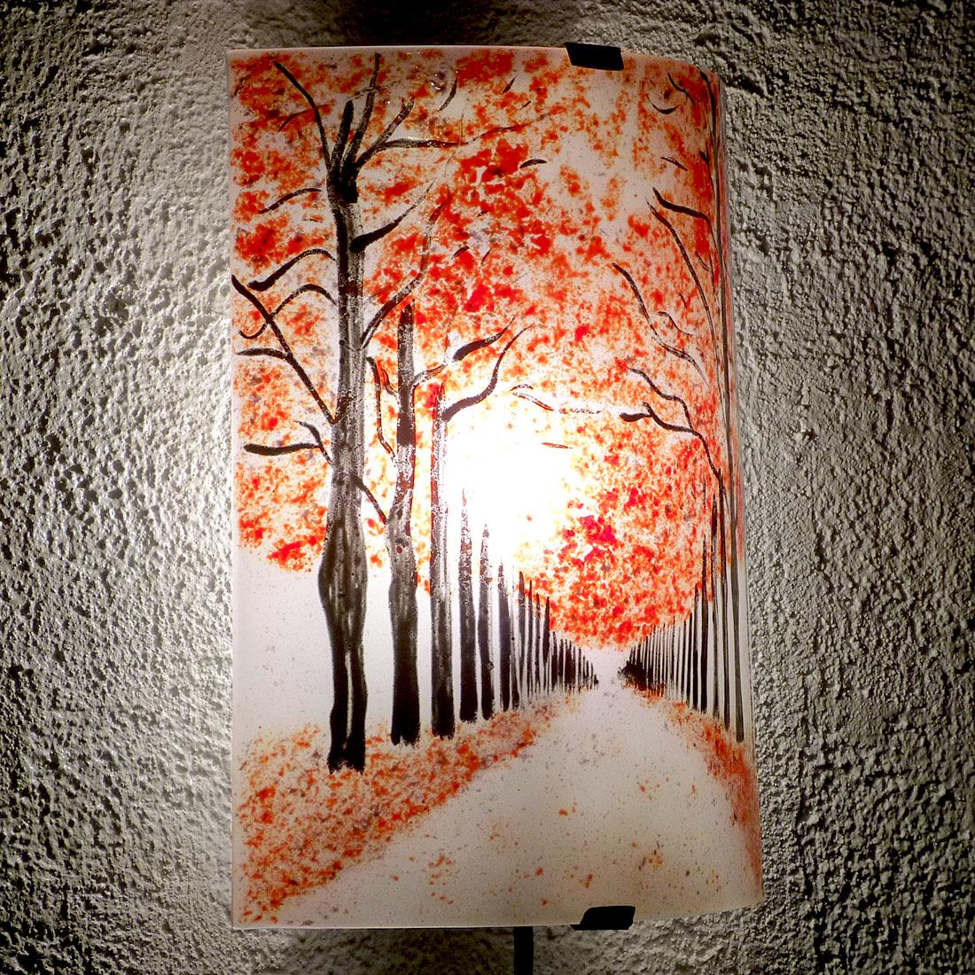 Applique au motif d un chemin borde d arbres rouge