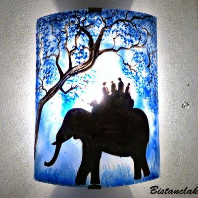 applique d'ambiance bleu motif Ballade à dos d'éléphant.. la nuit