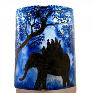 Applique d ambiance artisanale bleu motif ballade a dos d elephant 4
