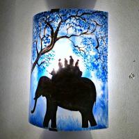 AM VR  bleu motif ballade a dos d eleph