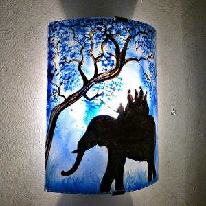 Applique d ambiance artisanale bleu motif ballade a dos d elephant 7