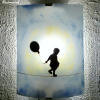 applique d ambiance bleu tendance street art motif la petite fille au ballon