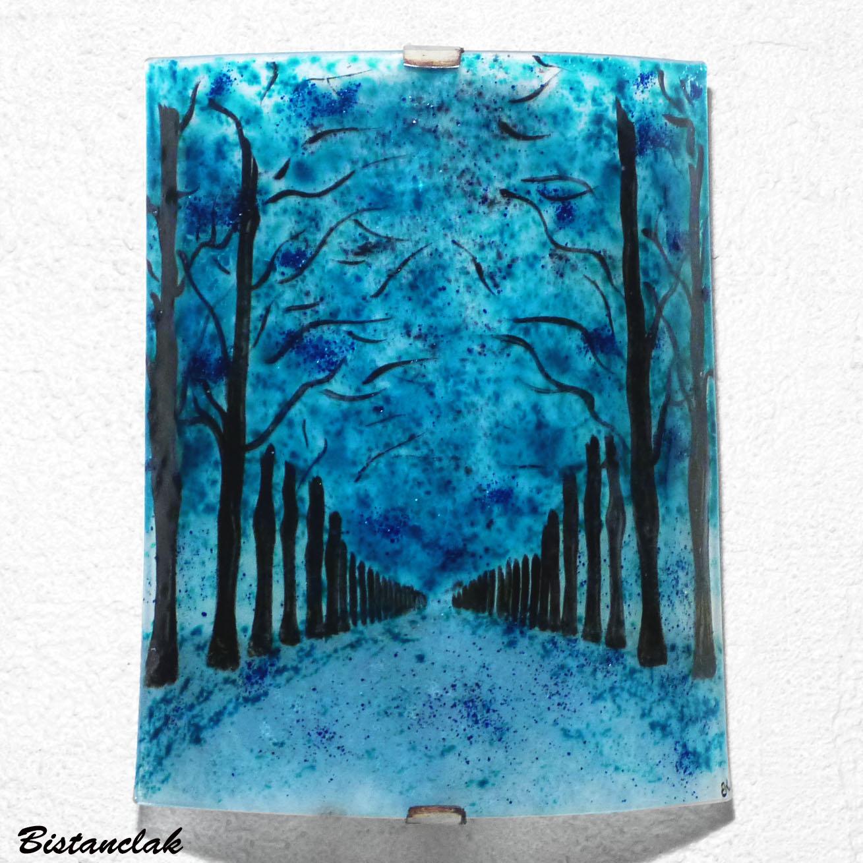 Applique artisanale bleu turquoise au motif d une allee d arbres