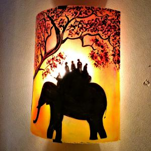Applique d ambiance demi cylindre motif ballade a dos d elephant en jaune orange et rouge 5