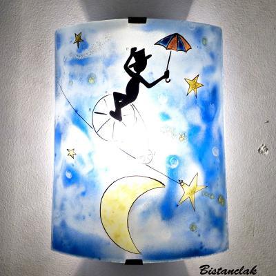 Applique artisanale multicolore au motif d'un funambule et la lune; création artisaanle française par Bistanclak
