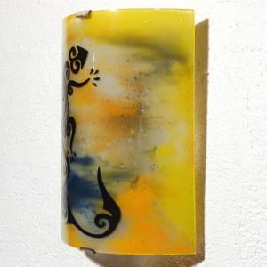 Applique d ambiance jaune orange et bleu motif lezard salamandre stylisee 11