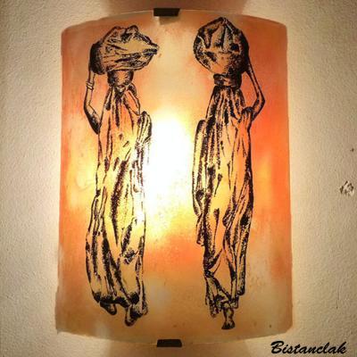 applique en verre orange motif Les femmes nomades