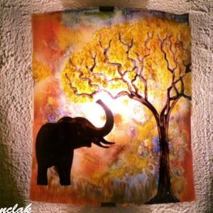 Applique d ambiance multicolore motif elephant a la trompe levee creation artisanale par bistanclak 3