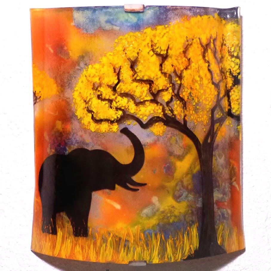 Applique d ambiance multicolore motif elephant a la trompe levee creation artisanale par bistanclak 6