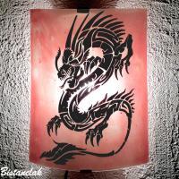 Applique rouge clair motif dragon noir