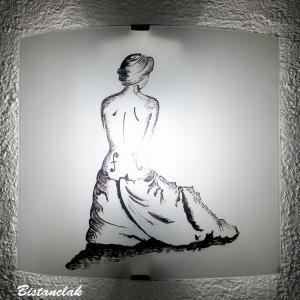 Applique decorative noire et blanche au dessin de la femme violon une creation artisanale par bistanclak