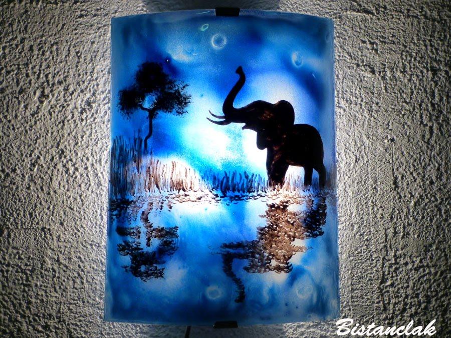 Applique demi cylindre decorative bleu cobalt motif elephant au bord de l eau creation artisanale francaise par bistanclak 2