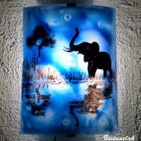 Applique bleu cobalt motif elephant au bord de l eau