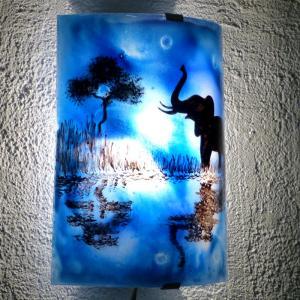 Applique demi cylindre decorative bleu cobalt motif elephant au bord de l eau creation artisanale francaise par bistanclak 5