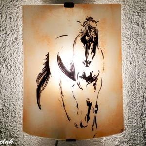 Applique luminaire artisanal motif esquisse de cheval de couleur sable 4
