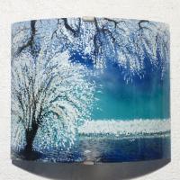 Applique luminaire d ambiance motif paysage d arbres au feuillage blanc sur ciel bleu turquoise