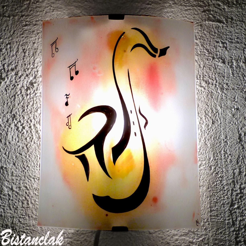 Applique luminaire decoratif jaune rouge diffus motif saxophone vendu en ligne sur notre site