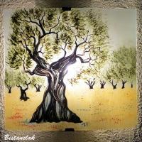 Applique luminaire motif olivier en plein champs