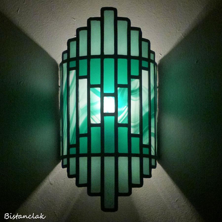 Applique luminaire vitrail vert design art deco