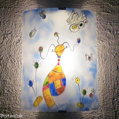 Applique murale artisanale coloree au motif surrealiste par bistanclak