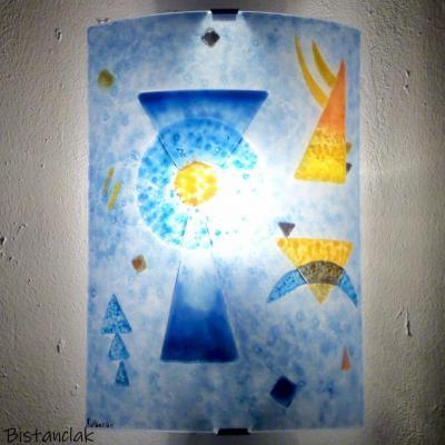 Applique colorée bleu et orange au design géométrique inspiré de Kandinsky