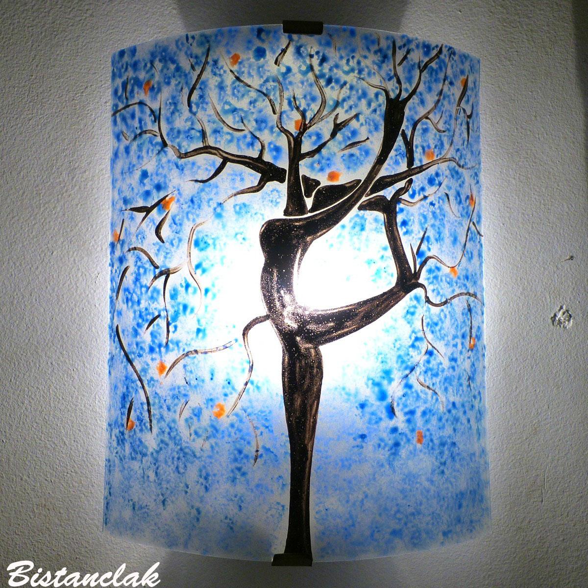 Applique artisanale bleu motif arbre danseuse