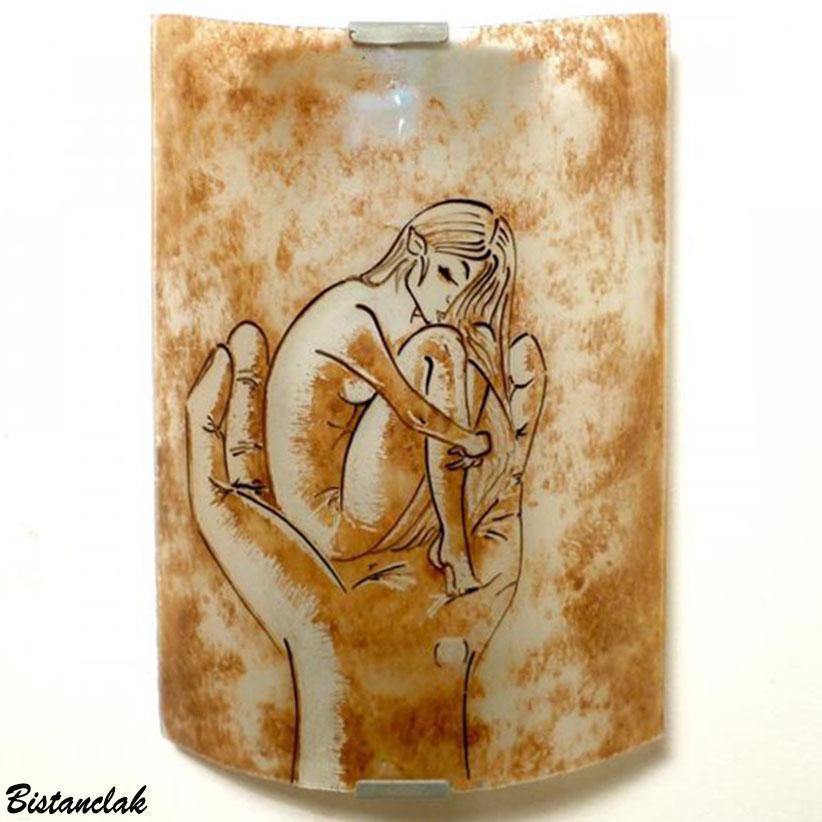 Applique murale couleur sable motif femme nue
