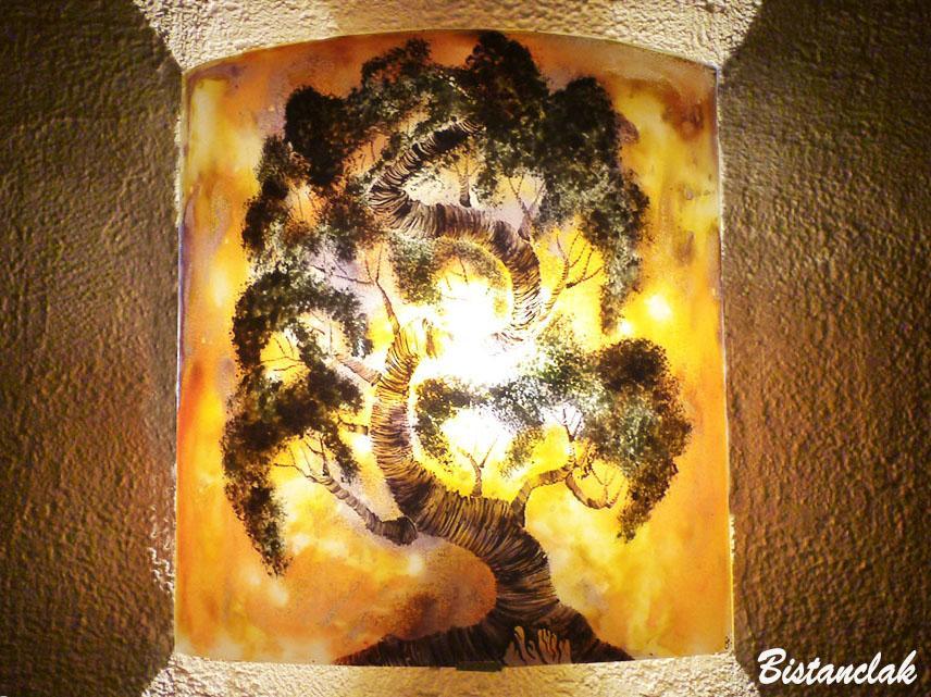 Applique murale demi cylindre jaune orange motif bonsai