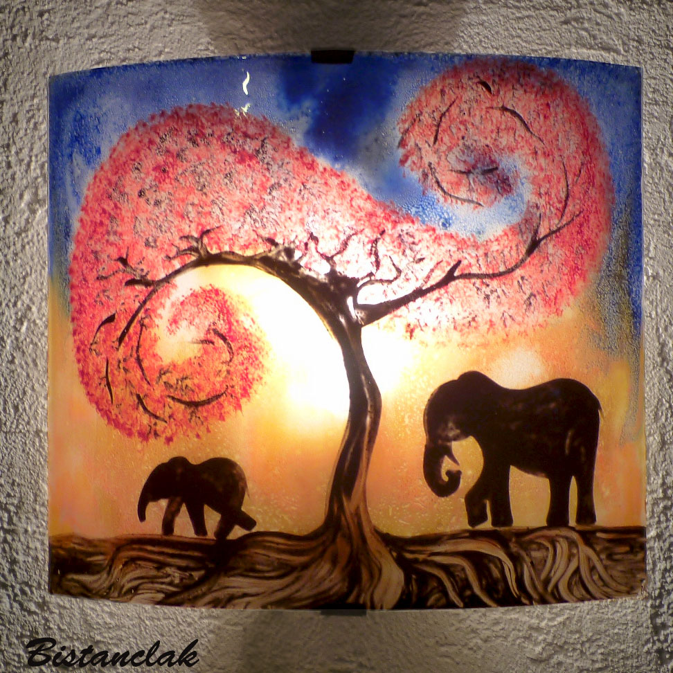 Applique motif elephants sous un arbre rouge