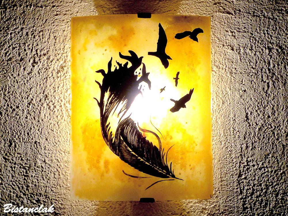 Applique murale jaune orange motif plume et oiseaux vendue en ligne