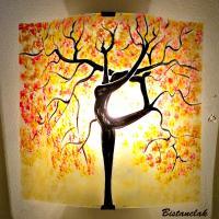 Applique murale jaune pastel orange rouge motif arbre danseuse 1