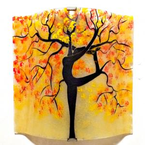Applique murale jaune pastel orange rouge motif arbre danseuse 3