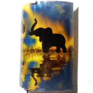 Applique murale le reflet de l elephant orange violet 1